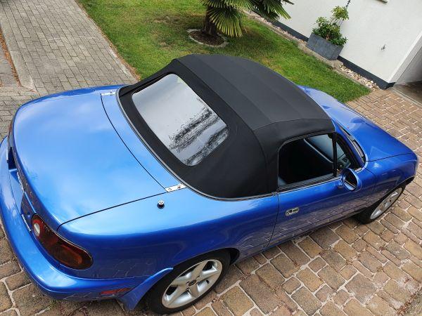 Mazda MX-5 NA mit Stoffverdeck